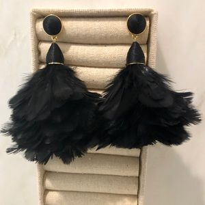 Fabulous & fun black feather statement earrings !